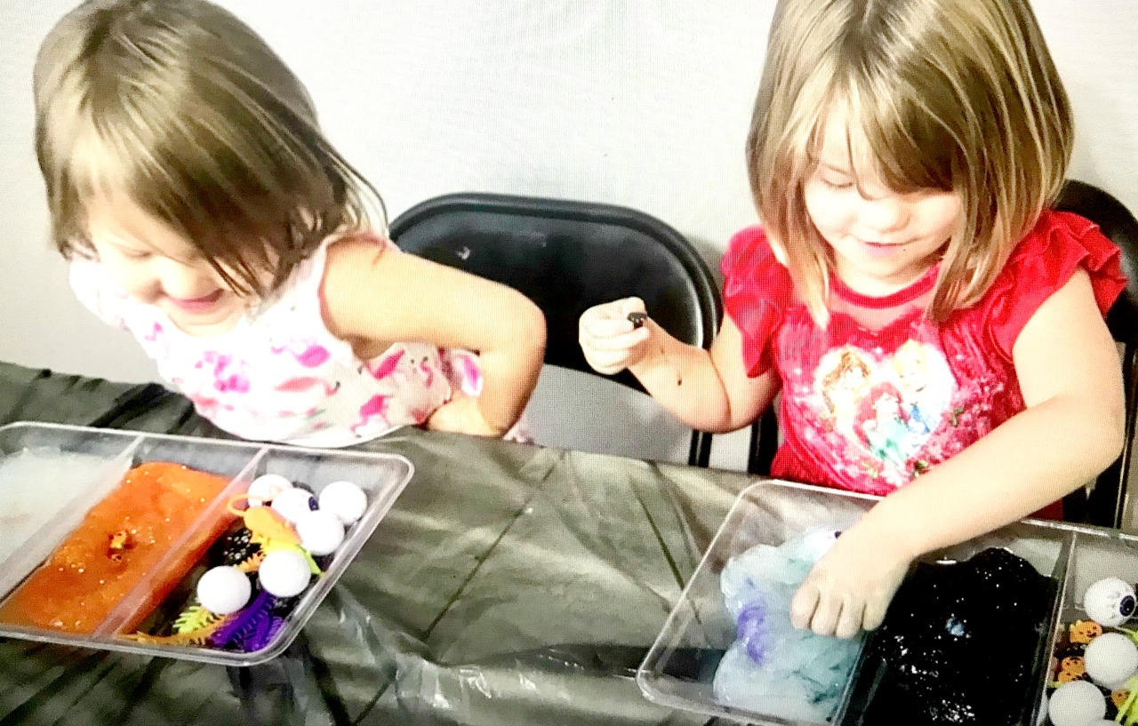 EASY & FUN HALLOWEEN ACTIVITIES  FOR KIDS